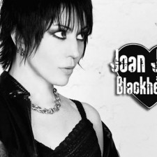 Think there's a better way to start off the week than with some Joan Jett & the Blackhearts? Well, you would be WRONG.