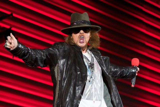 Axl Rose Knocks Out Fan's Teeth