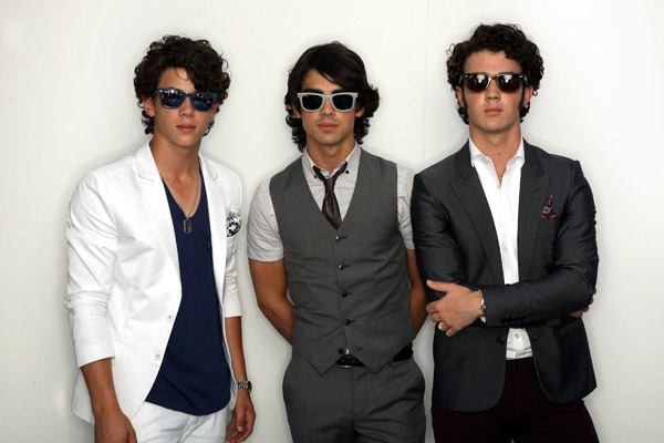 Jonas Brothers Nick Joe Kevin Announce Summer Tour