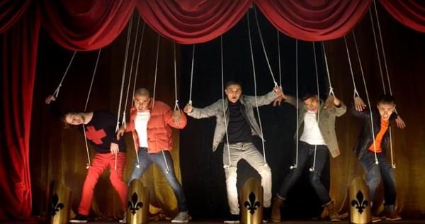 The Wanted Walks Like Rihanna Music Video