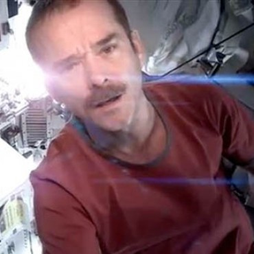 Chris Hadfield David Bowie Space Oddity Cover