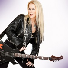 "Lita Ford Releases Heartbreaking New Video For ""Mother"""