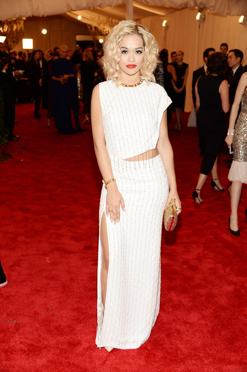 Rita Ora: a fashion risk that fell flat. Better luck next time.