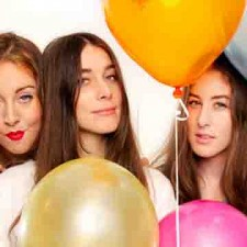 "Haim performs ""Forever"" on Letterman"
