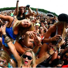 10 Must-Have Music Festival Essentials for Girls