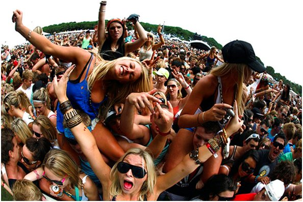 music festival, girls, essentials, summer, fest, fun, crowd